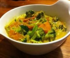 Recipe Veggie Coconut Curry by Marie, learn to make this recipe easily in your kitchen machine and discover other Thermomix recipes in Main dishes - vegetarian. Radish Recipes, Curry Recipes, Raw Food Recipes, Veggie Recipes, Vegetarian Recipes, Cooking Recipes, Cantaloupe Recipes, Spicy Dishes, Curry Dishes