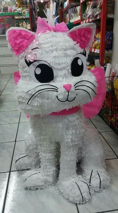 Pinata Candy, Birthday Pinata, Marie Cat, Pints, Paw Patrol, Paper Mache, Party Planning, Snoopy, Baby Shower