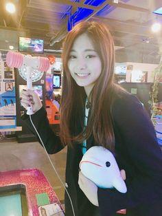 Kpop Girl Groups, Korean Girl Groups, Kpop Girls, Nayeon, K Pop, Taiwan, Twice Tzuyu, Chou Tzu Yu, Cute Stuffed Animals