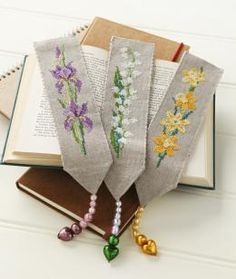 A free cross-stitch pattern for pansy bookmark to go with this set (not pictured)
