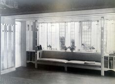 Charles Rennie Mackintosh, Hill House, 1904: un interior blanco para la alta burgesía de Glasgow Charles Rennie Mackintosh, Glasgow School Of Art, Eccentric, Bungalow, Theory, Living Spaces, Interior Design, Architecture, Drawings