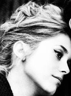Catherine Deneuve, perfect cat eye makeup.