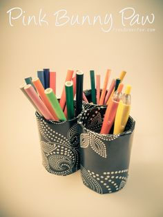 Toilet paper tubes = Pencil holder Bunny Paws, Pencil Holder, Holiday Decorations, Toilet Paper, Diys, Diy Crafts, School, Projects, Fun