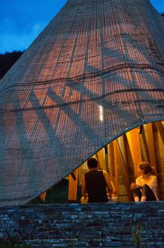 "Students ""reinvigorate"" traditional bamboo weaving for Sun Room pavilion"