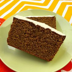 This recipe for low carb gingerbread loaf cake is super delicious. It's an A+.