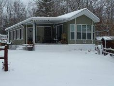 Check Out This 2000 Woodland Park Timber Ridge Park Model