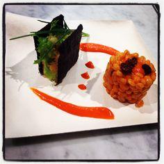 #Mousse di #salmone tra due biscotti di #farina di #riso Venere e tortino d'#orzo con crema di #peperoni #food