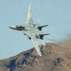 F 14 Tomcat - Tom Cruise, keep dreaming ya friggin wanker....!!! Ross, Australia...