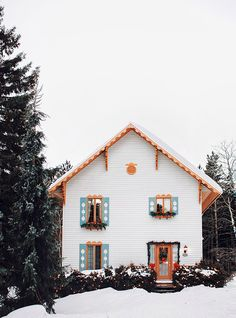 The cutest cookie-cutter winter cottage