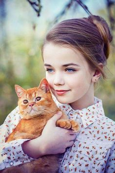 A warm smile is the universal language of kindness. Animals For Kids, Baby Animals, Cute Animals, Cute Baby Girl, Cute Babies, Girly Pictures, Beautiful Children, Cat Art, Children Photography