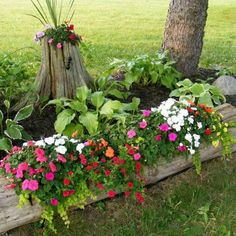 Spruce up your garden with these cheap and easy DIY garden ideas. From DIY planters to container gardening ideas, there are plenty of garden projects on a budget to choose from. Garden Types, Diy Garden, Garden Care, Garden Projects, Garden Ideas, Garden Oasis, Log Projects, Terrace Garden, Fenced Garden