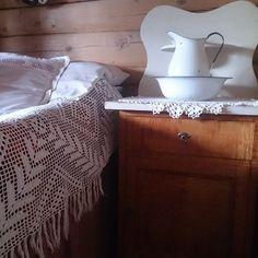 Instagram Cabins, Nest, Country, Decoration, Table, Instagram Posts, Vintage, Inspiration, Furniture