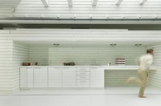 Stunning Inspirations for Studio Artist from Fogo Island: Beautiful Kitchen Space With White Cabinets White Drawers Glossy Sink And White Co. Fogo Island Inn, Modern Design Pictures, Architectural Section, Compact Living, Beautiful Kitchens, Interior Design Kitchen, Modern Minimalist, Living Spaces, House