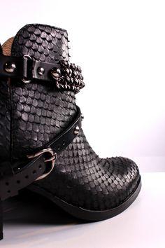 Shop online: www.profonlinestore.com Shoes/ Sapatos  Brand: PROF