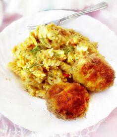 Di gotuje: Makaron z jajkiem, pomidorem i prażoną cebulką