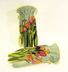 Garden Gloves - hand painted by Dianna Wood www.thewoodssecretgarden.etsy.com