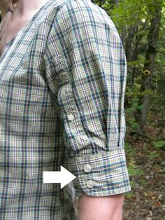 Upcycled men's shirt. Simply remove the sleeve, shorten, and add to shoulder. On this same board I have instructions on how to modify the collar of a button down shirt. Originally supposed to be on the following site, but it is not correct: http://restitchme.com/?p=3659