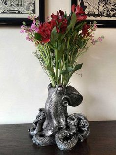 Accessories :: Morte Gothic Octopus Vase