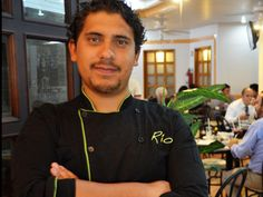 Juan Carlos Gutiérrez se convirtió en emprendedor para apoyar al restaurante familiar. Él decidió transformar el concepto y abrir un restaurante brasileño con toque mexicanos y creó Río Churrascaría Do Brasil.