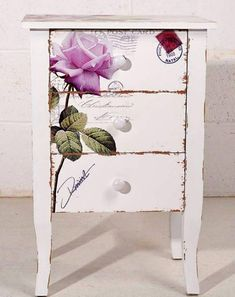 Hottest Absolutely Free Shabby Chic Furniture decoupage Tips Not sometime ago, indoor design has been information about cold, dismal minimalism. It matched the times, ble Hand Painted Furniture, Funky Furniture, Paint Furniture, Repurposed Furniture, Shabby Chic Furniture, Furniture Projects, Furniture Makeover, How To Decoupage Furniture, Shabby Chic Dressers