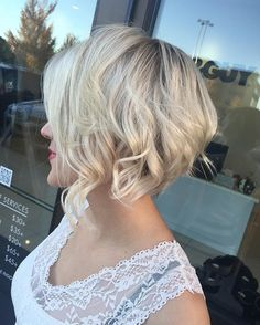 Textured-Choppy-Blonde-Bob-Stacked-Short-Haircuts » New Medium Hairstyles