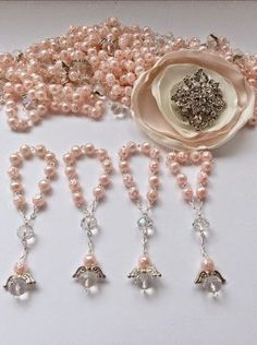 Items similar to 30 pcs Angel Decade Rosaries/Mini Rosaries/Pearl First communion favors Recuerditos Bautizo Pearl Rosary Baptism Favors on Etsy First Communion Favors, Baptism Favors, Baptism Ideas, Baptism Giveaways Ideas, Ideas Bautizo, Baby Girl Baptism, Rosary Beads, Round Beads, Christening