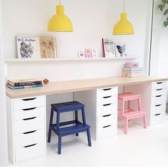 I need this kids craft/study area in my life pronto (but with every single crayon tied to a little string, like at the bank! What a beautiful space and pic 👌🏻💕 Kids Study Spaces, Kids Study Desk, Ikea Kids Desk, Kid Desk, Office Playroom, Playroom Decor, Kids Room Art, Kids Bedroom, Kids Art Area
