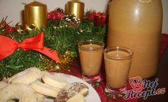 Co by to byly za Vánoce, kdyby nebyl na přípitek domácí sladký likér. Každý připravuje jiný, se salkem, bez, s vaječným koňakem nebo s mléčnou či hořkou čokoládou. Já dělávám klasický vánoční likér s chutí perníkového koření. Pokud máte rádi klasické perníky, které pečeme 3-4 týdny před Vánocemi, určitě zkuste i tento nápoj. Je luxusní. Autor: Diabambulka