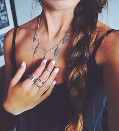 Pretty boho chic hippie feathers necklace. FOLLOW this board now > http://www.pinterest.com/happygolicky/the-best-boho-chic-fashion-bohemian-jewelry-gypsy-/ for the BEST Bohemian fashion trends for 2015.