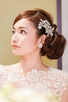 ウェディングドレス ヘアカタログ - 花嫁さん必見!最高に可愛くなれる*髪型カタログ|MERY