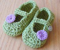 Ravelry: Little Dot Mary Janes pattern by Bethany Dearden