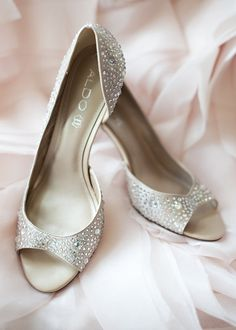We're in LOVE with these bridal shoes by Aldo! Perfection! {Cynthia Michelle Photography}