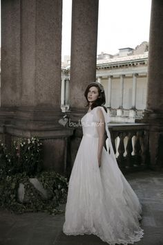 Forever 2014 Alberta Ferretti - http://www.bodas.net/articulos/vestidos-de-novia-alberta-ferretti-2014--c1911