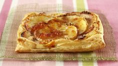 Try these apple and ricotta squares baked in flaky pastry for a simple, but tasty dessert. Savory Scones, Savoury Dishes, Pink Lady, Ricotta, Easy Home Recipes, Masterchef Australia, Fruit Slice, Flaky Pastry, Recipe Finder