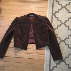 """Garey petites size m I use i cut the tag I'm size m now  u can see in the picture as fit  I'm 5"""" Garey petites Jackets & Coats Blazers"""