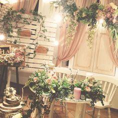 いいね!36件、コメント3件 ― inovさん(@inov_wedding)のInstagramアカウント: 「昨日の二次会での高砂スペース。 アーティフィシャフラワーを贅沢に使い、スタッフみんなで製作しました♪…」