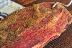 Recept na sušenú krkovičku? Zvládnete to aj vy (coppa) Flank Steak, Challah, Brisket, Food 52, Meatloaf, Food And Drink, Pork, Homemade, Dishes