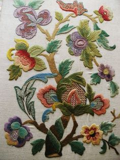 """STUNNING Vintage Hand Embroidered Crewel Work Picture Panel DALI TREE 29"""" X 21"""""""