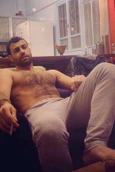 Dear Men, Stop Shaving Your Pubes Hairy Hunks, Hairy Men, Types Of Guys, Daddy Bear, Hommes Sexy, Hairy Chest, Papi, Male Beauty, Hot Guys