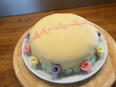 Marsipanlokk kake med EKG Birthday Cake, Desserts, Food, Tailgate Desserts, Deserts, Birthday Cakes, Essen, Postres, Meals
