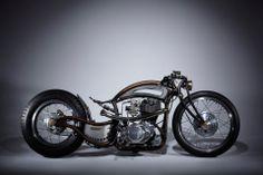 Custom Bobber, Custom Motorcycles, Custom Bikes, Cars And Motorcycles, Bobber Motorcycle, Moto Bike, Motorcycle Design, Honda Cb Series, Bobber Style
