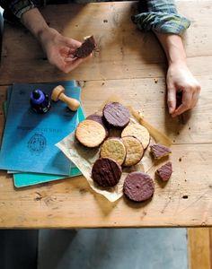 Biscuits granola Granola, Cookies, Sweet Treats, Stuffed Mushrooms, Good Food, Cheese, Vegetables, Simple, Muesli