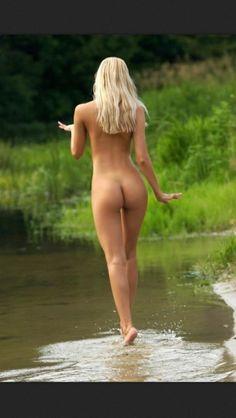 Extraordinary Nudes