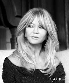 As her philanthropic foundation forges ahead, a passionate Goldie Hawn brightens up the future for the next generation Haircuts For Long Hair, Hairstyles With Bangs, Medium Hair Styles, Short Hair Styles, Blonde Bangs, Hair Icon, Goldie Hawn, Grunge Hair, Hair Inspiration