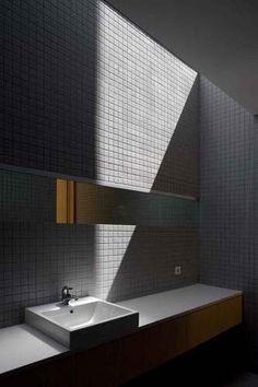 bathroom | casa o | portugal | by belèm lima arquitectos.