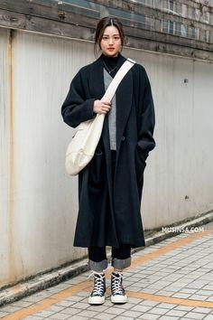 Japan street fashion, korean fashion winter, korean street fashion, w Top Fashion, Korea Fashion, Fashion Moda, Trendy Fashion, Fashion Outfits, Fashion Design, Japan Street Fashion, Fashion Fall, Fashion Ideas