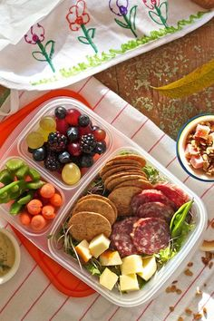 Pack a healthy, lunch! DIY Lunchables for #ProjectLunchBox on FamilyFreshCooking.com © MarlaMeridith.com
