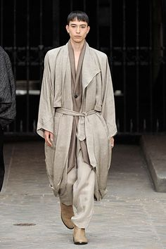 Damir Doma Spring 2011 | Paris Fashion Week