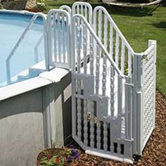 Easy Above Ground Pool Steps Entry System - now if my pool-owning friends would just invest! Swimming Pool Steps, Swimming Pool Ladders, Above Ground Swimming Pools, In Ground Pools, Above Ground Pool Stairs, Semi Inground Pools, Oval Pool, Pool Accessories, Dream Pools