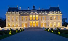 Chateau Louis XIV - Louveciennes - the chateau near Paris is world's most expensive home Mansion Interior, Dream House Interior, Luxury Homes Dream Houses, Mega Mansions, Mansions Homes, Luxury Mansions, Chateau Louis, Dream Mansion, Modern Mansion